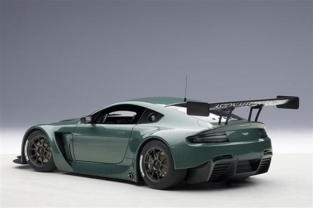Autoart Aston